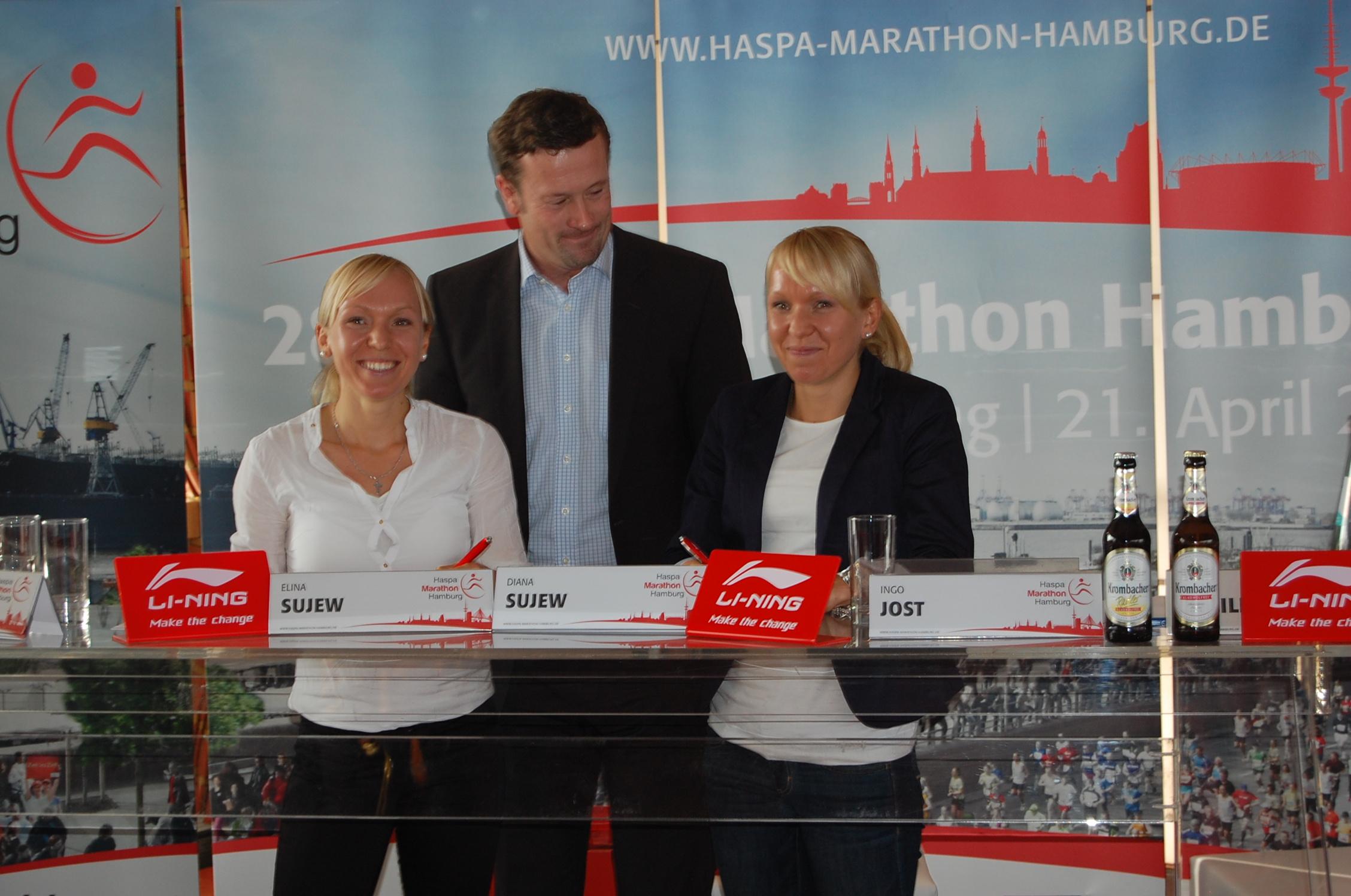 Pressekonferenz 31.10.2012 mit Vorschau auf den Haspa Marathon Hamburg 2013: Diana Sujew, Andreas Reuter, Alina Sujew